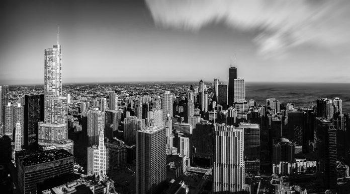 chicago-2645776_1920-696x385.jpg