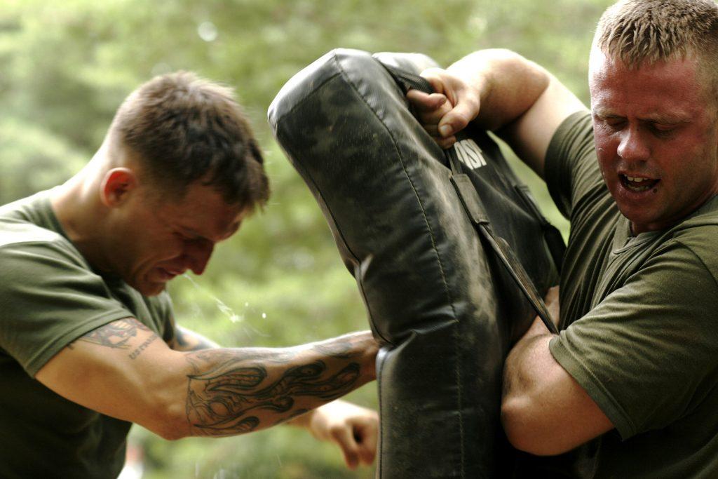 Marine Vet Takes out Gun-Toting Robbers in Incredible Act of Heroism